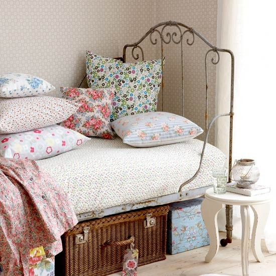 4-bedroom-ideas-for-teenage-girls-vintage-style