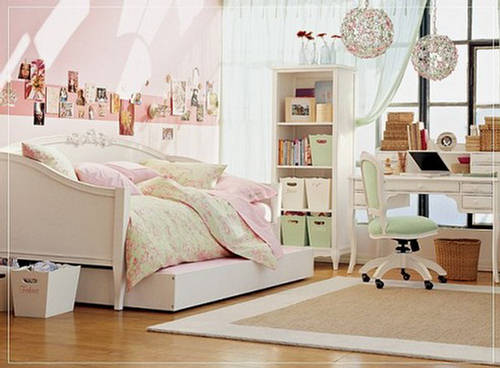 Teen Girls Bedroom with Cute Furniture (2)